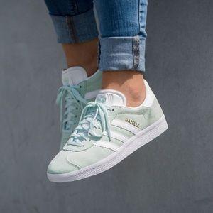 Adidas mint gazelle sneaker
